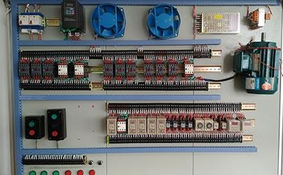 继电控制台
